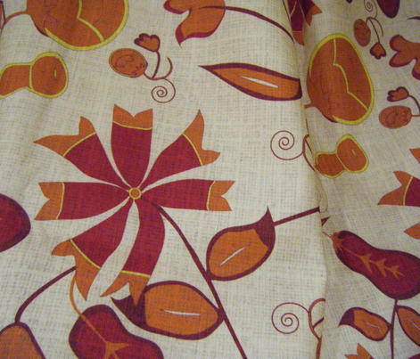 Christine's Vase - Caramel/red with linen texture