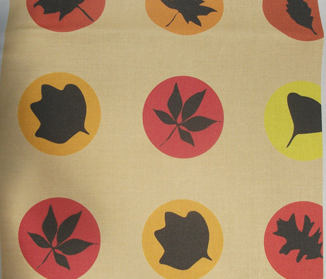 Leaf silhouette polka dot