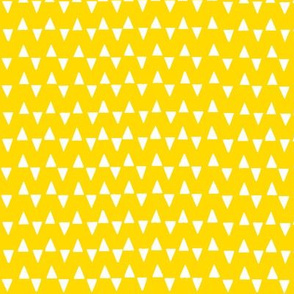 Graphic_Triangles_Yellow