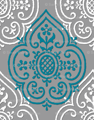 Lace Medallion ~ Vicomte and White on Pewter