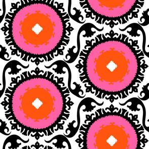 Suzani - pink flowers