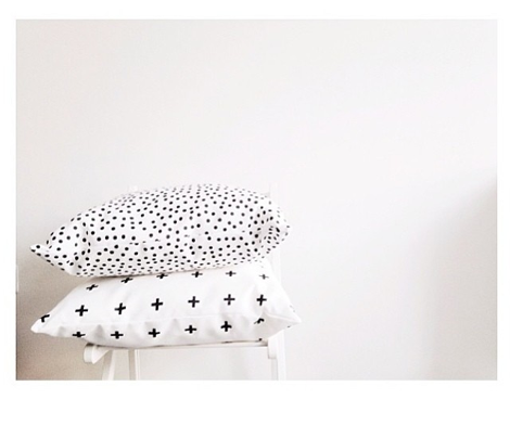 polka dot black on white