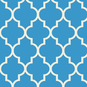 Sky Blue and Cream Quatrefoil