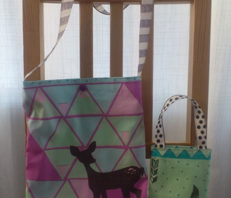 triangle deer tote