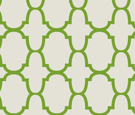 Quatrefoil- Apple/Linen-Large