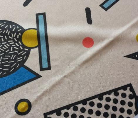 Memphis Inspired Pattern 7