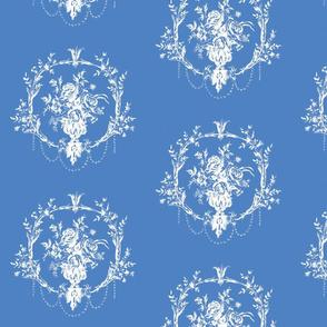 NeoClassical Wreath in Delft blue