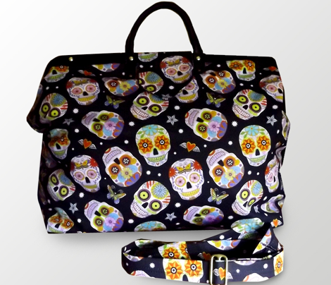 sugar skulls - black, large