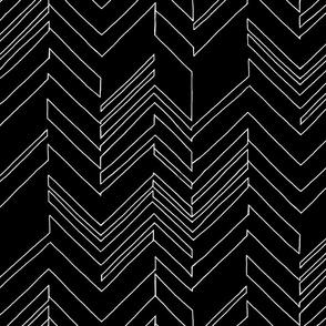 Outline Black/White