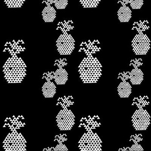 Triangle Pineapple White on Black