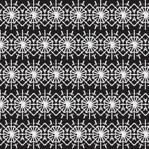 Daisy Chain in Black & White