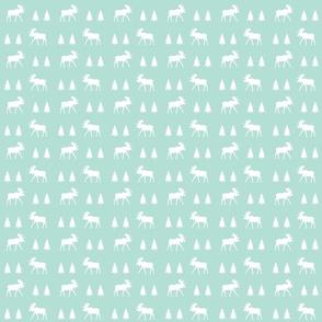 moose trot // aqua // small