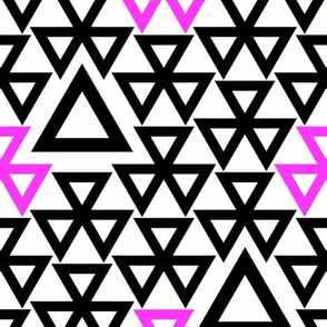 Nova geometric triangles
