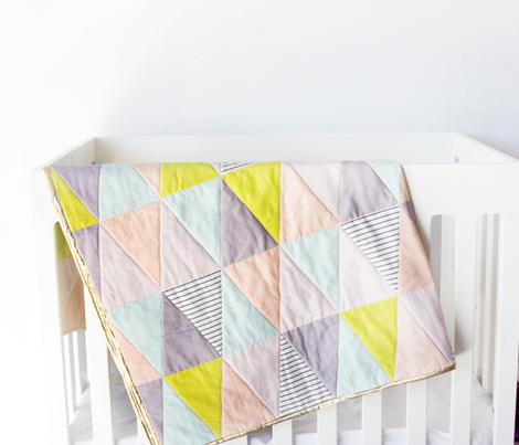 triangle quilt cloth - pastel/purple/stripe