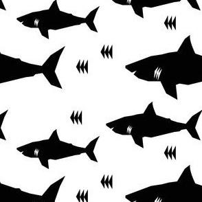 shark b&w - elvelyckan