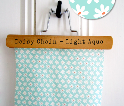 Daisy Chain Light Aqua