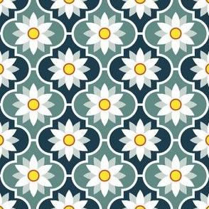 c-rhombus flower 2 - alpine white