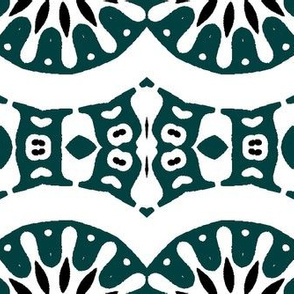 Horizontal Tribal in Green and White