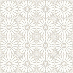 Breezy Windmill Wheel - Beige