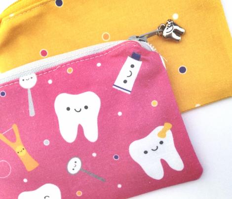Happy Teeth & Friends - Dark PInk