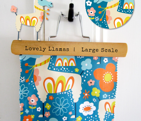 Lovely Llamas - Large Scale