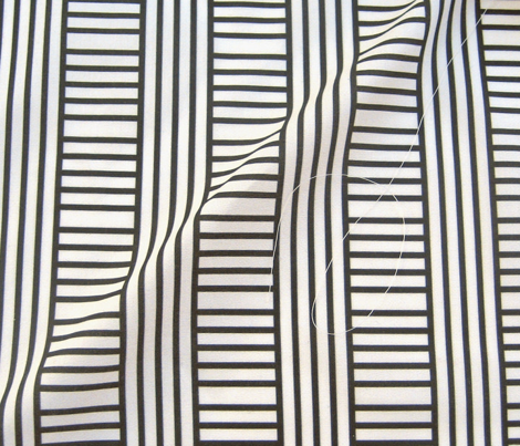 Stripe play in black and off-white by Su_G