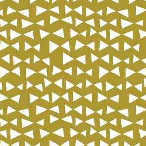 bow tri // golden olive triangles deer quilt coordinate