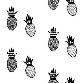 Monochrome pineapples