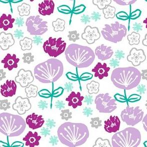 spring flowers // flower garden floral purple pastel lilac lavender mint green garden