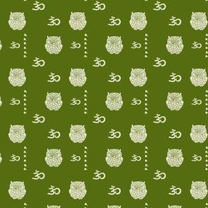 Om owl forest green