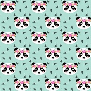 panda flowers mint