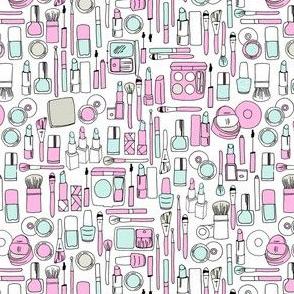 makeup // pastel mint pink lipstick