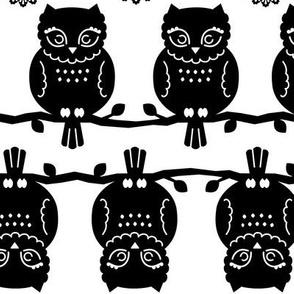 owl border in black & white