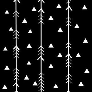 monochrome arrows plus