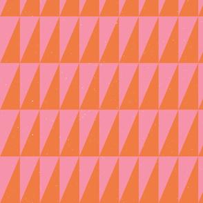 Dual triangles Pink Oj by Friztin