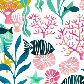 Ocean plants and fish in watercolors