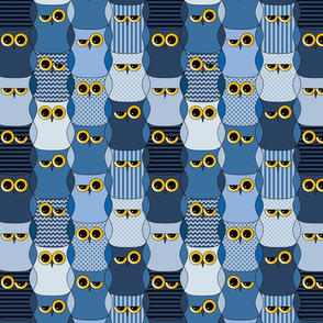 Interlocking blue owls (dark)
