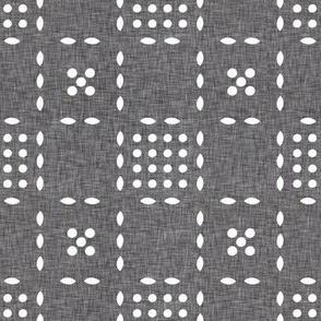 geometric_tic_tac_linen