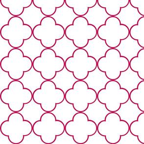 quatrefoil 2 Medium -  white berry