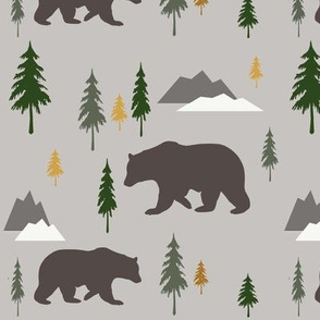 Bear_in_the_forest_green