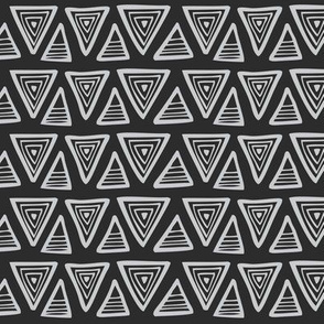 Triangulate Geometric Black & Grey
