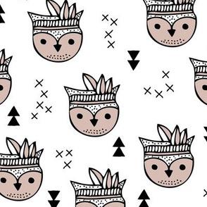 Cool geometric Scandinavian summer style indian summer animals little baby owl beige white