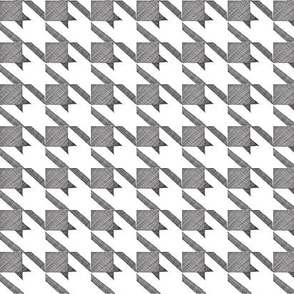Sketchy black & white houndstooth-med