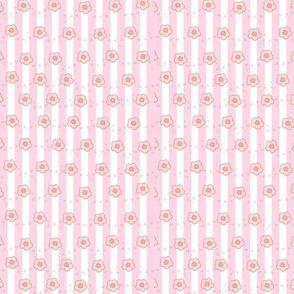 pink_white_stripes_pattern