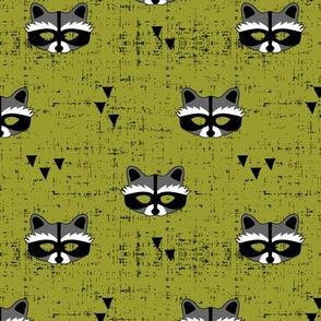 raccoon mask || olive