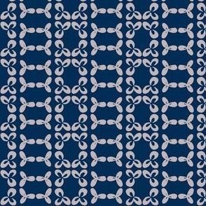 geometric clover leaf lavender/navy