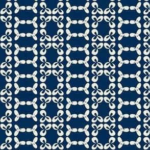 geometric clover leaf cream/navy