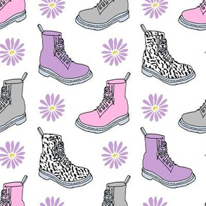 90s shoes // pink and purple girls throwback boots shoes fashion retro 90s
