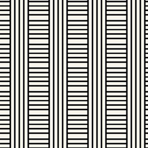 TESTING OFFSET V+H Geometric stripe  play in black and off-white by Su_G