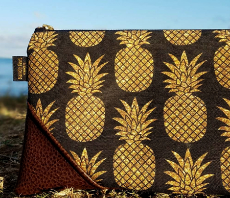 gold glitter pineapples – black, small